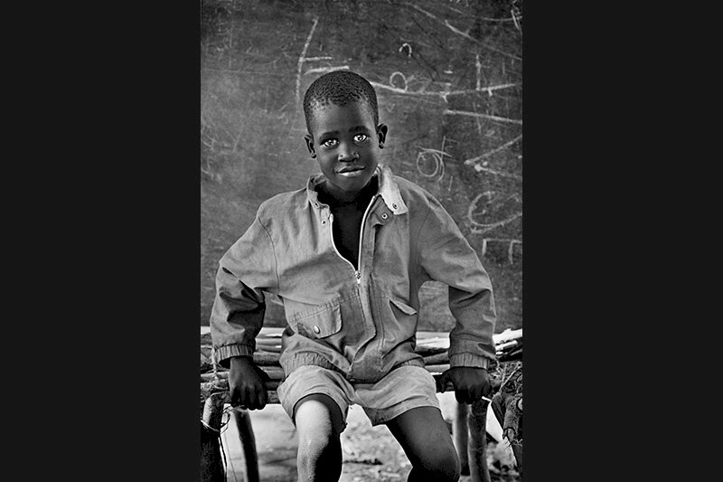 At the Natinga School camp for displaced Sudanese. Southern Sudan. 1995. © Sebastião Salgado