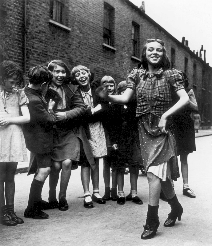 East End girl dancing the 'Lambeth Walk', 1939 - Private collection, Courtesy Bill Brandt Archive and Edwynn Houk Gallery © Bill Brandt / Bill Brandt Archive Ltd.