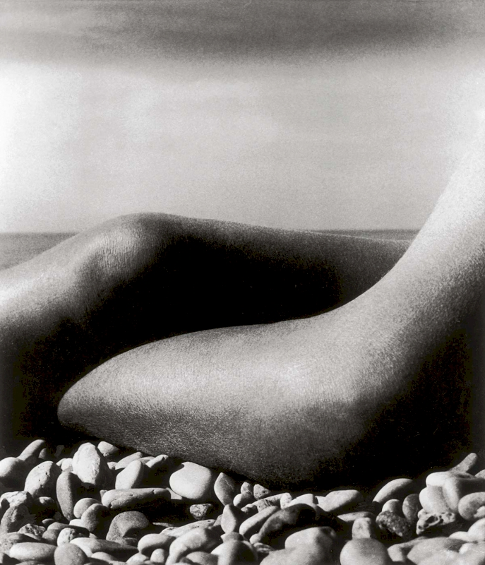 Nude, Baie des Anges, France, 1959 - Private collection, Courtesy Bill Brandt Archive and Edwynn Houk Gallery © Bill Brandt / Bill Brandt Archive Ltd.